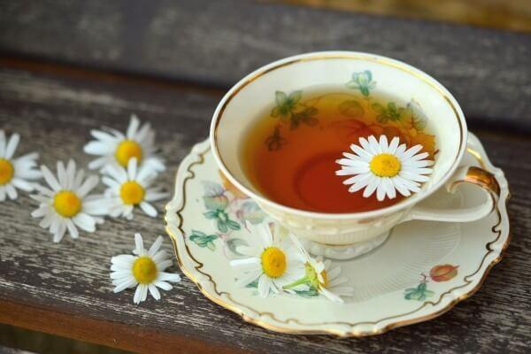 Hausmittel gegen Reizhusten: Tee trinken