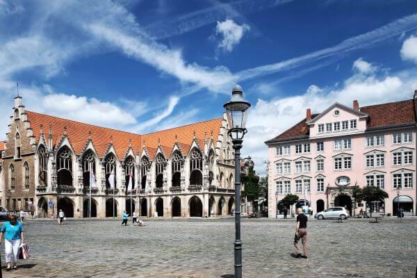Unsere Tour führt Sie auch über den Altstadtmarkt im Magniviertel Braunschweigs