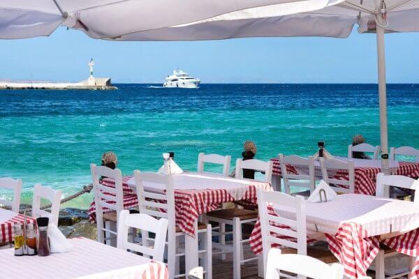 Mykonos-Urlaub: tiefblaues Meer & exzellenter Fisch