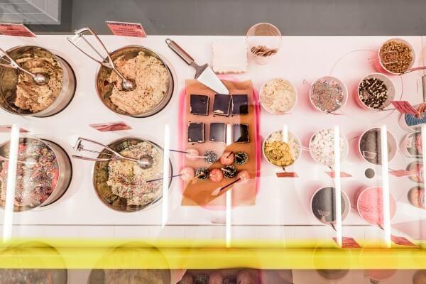 Essbarer Keksteig: Vielfältige Geschmacksrichtungen und Kombinationsmöglichkeiten machen die Wahl zur Qual.